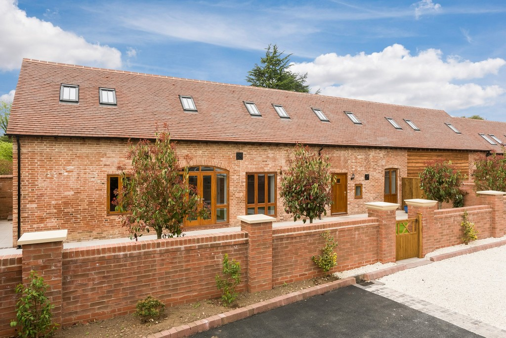 3 Bedroom Barn Conversion, The Stables, Avonmore Court, Stratford Upon Avon