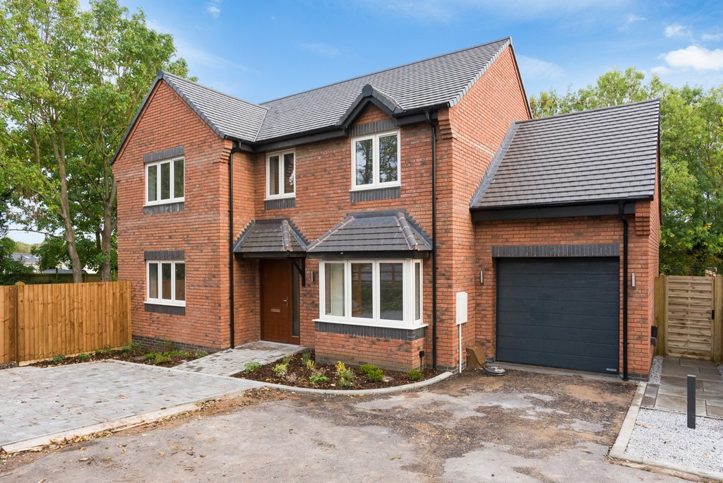 4 Bedroom Detached House, Arbour House, No. 6 Salford Priors