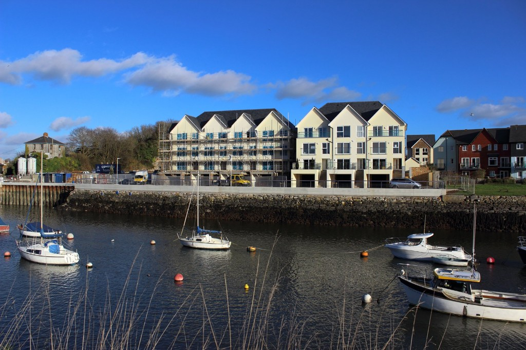 The Clipper, 46 The Boatyard, Oreston, Plymouth Town and Country lettings