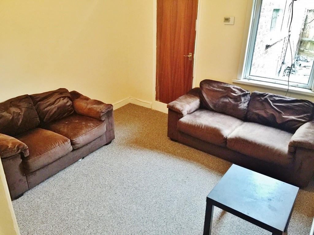 2 bedroom   - EAGLE STREET CV1