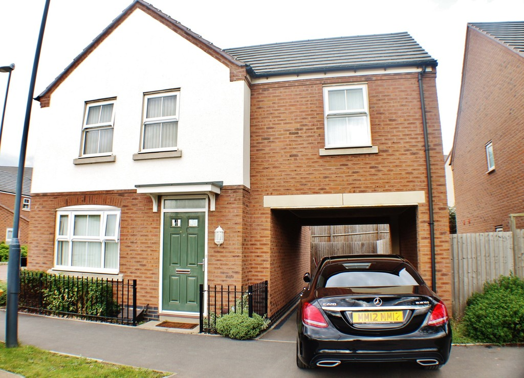 3 bedroom  Detached House - Queen Elizabeth Road, NUNEATON CV10