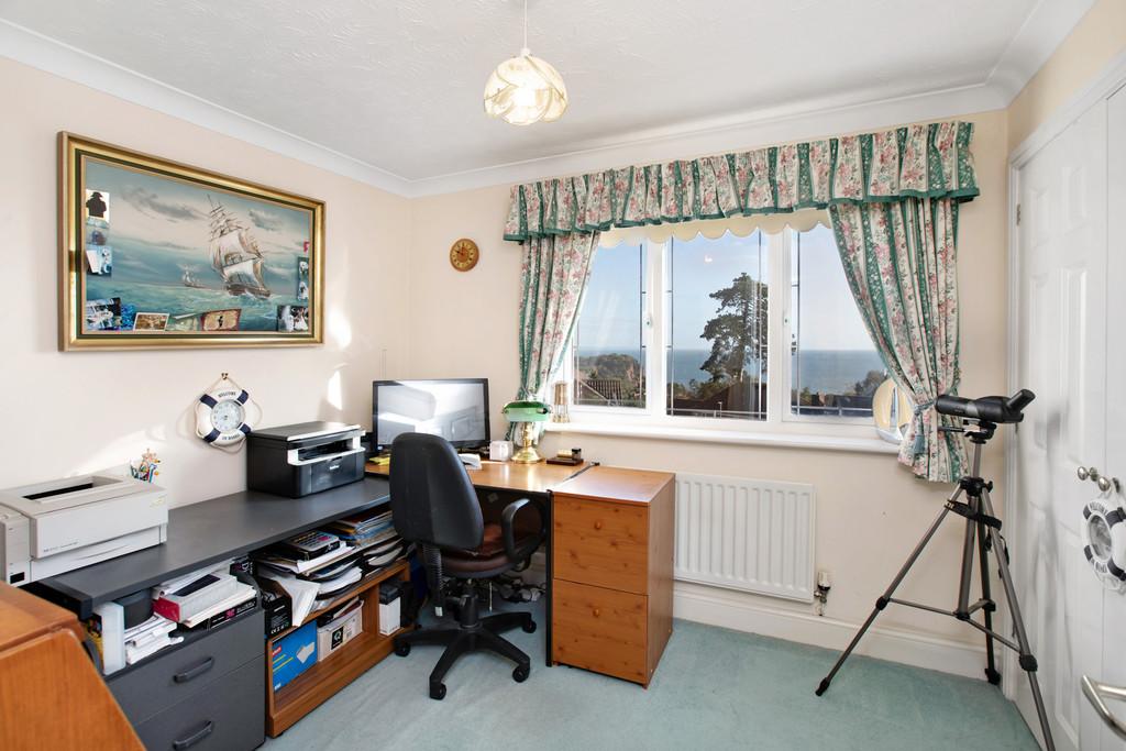 Pine Close, Teignmouth, TQ14 8XA
