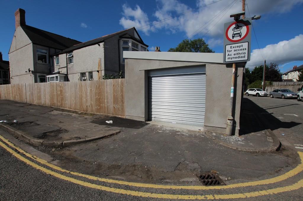 Whitchurch Road, Heath, Cardiff, CF143NH