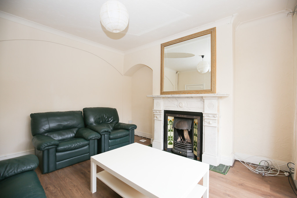 4 bedroomstudent                semi-detached house               for rent in jesmond vale