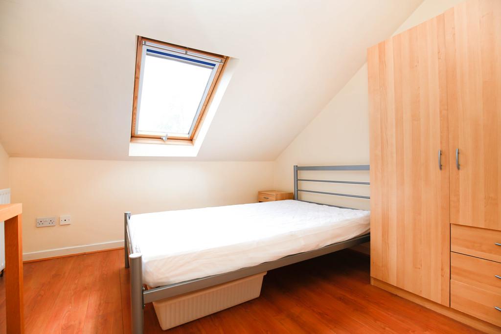 6 bedroomstudent                maisonette               for rent in heaton