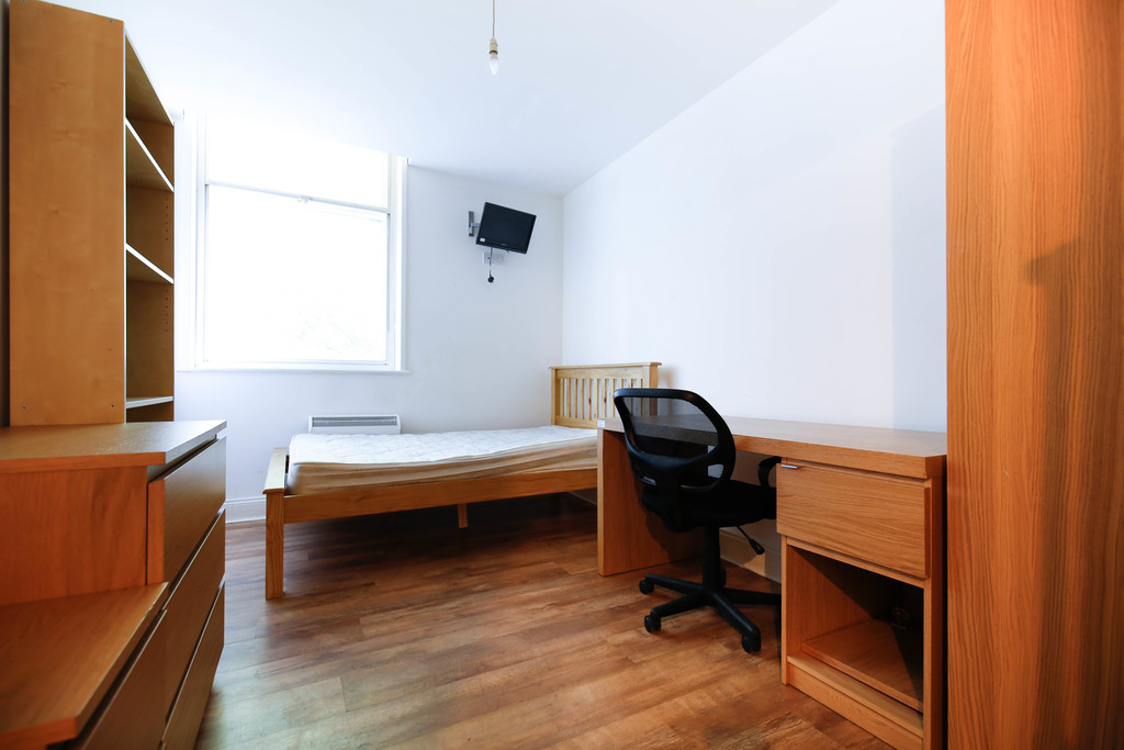 3 bedroomstudent                apartment                for rent in 70 st andrews street