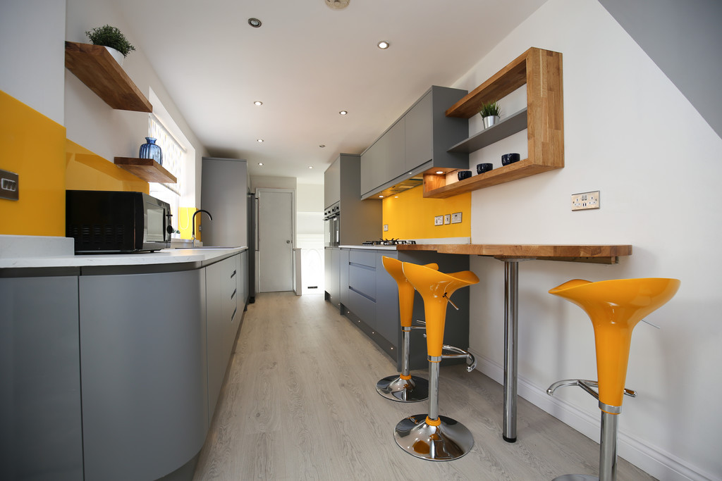 7 bedroomstudent                maisonette                for rent in heaton