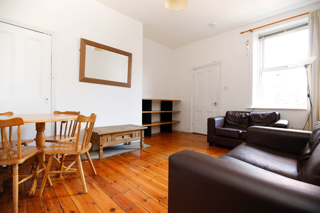 2 bedroomstudent                flat               for rent in gosforth