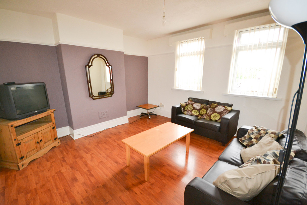 3 bedroomstudent                flat               for rent in gosforth