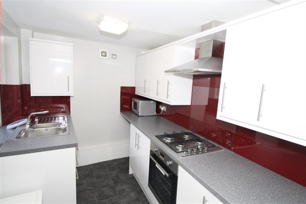 6 bedroom											student 					               		mid terraced house               		for rent in sandyford