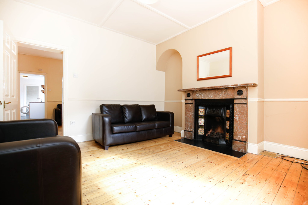 3 bedroomstudent                house               for rent in heaton