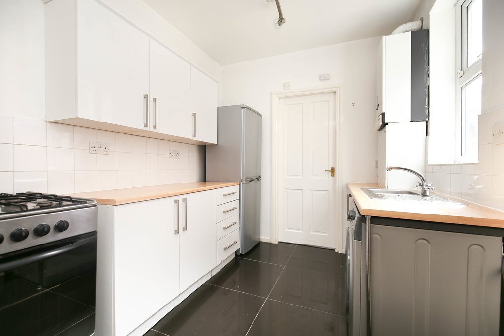 2 bedroomstudent                flat               for rent in heaton