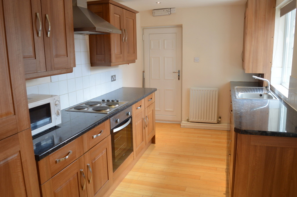 6 bedroomstudent                student house share               for rent in heaton