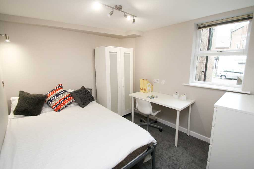 6 bedroomstudent                flat / apartments               for rent in jesmond
