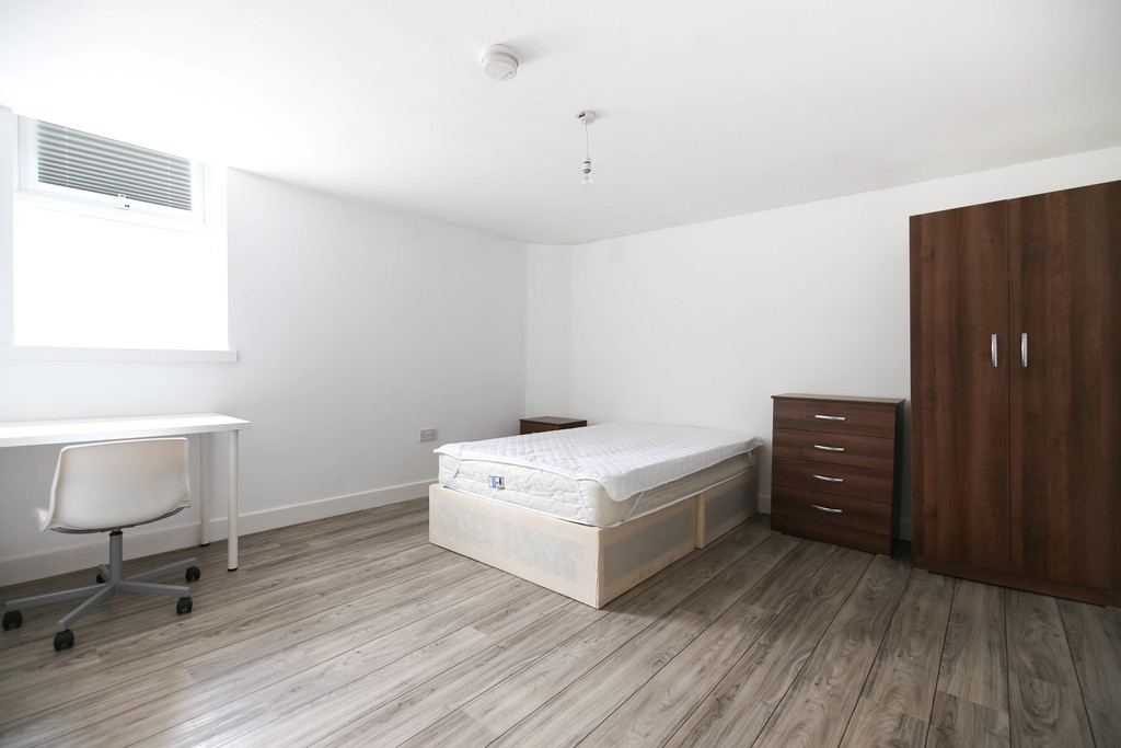 4 bedroomstudent                apartment                for rent in shieldfield