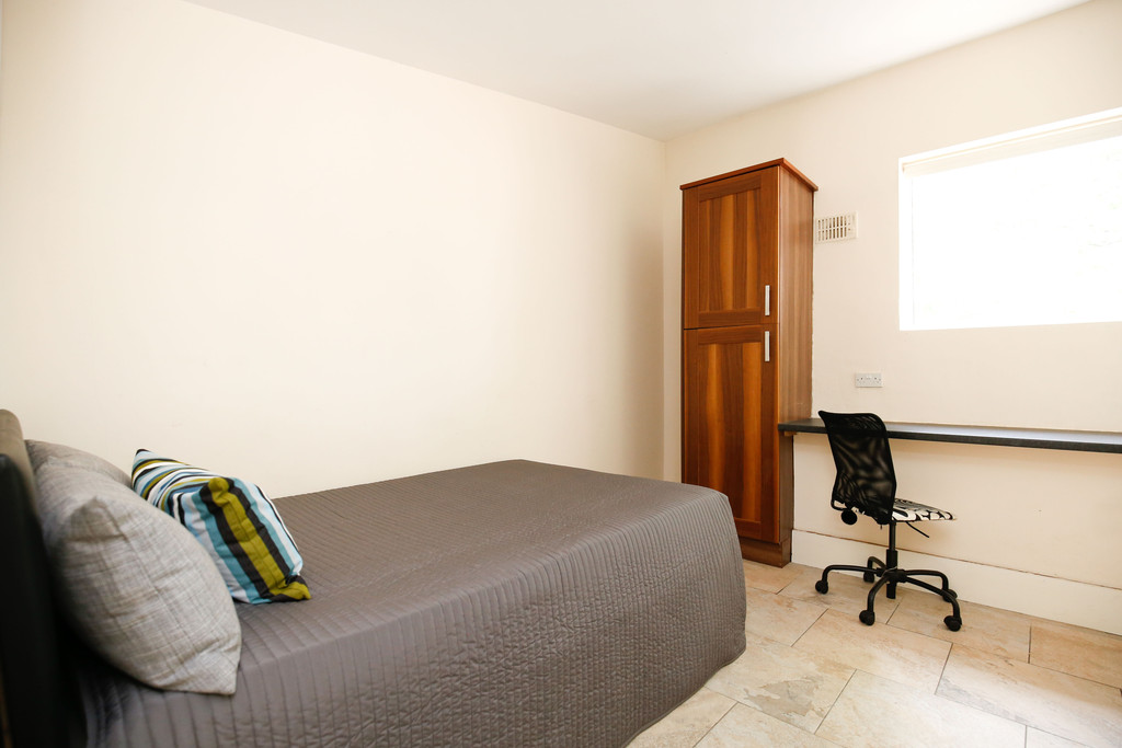 3 bedroomstudent                apartment               for rent in shieldfield