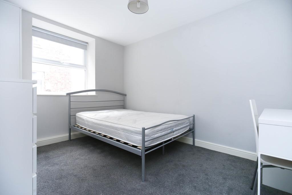 4 bedroomstudent                apartment               for rent in jesmond