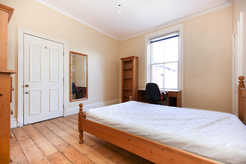 7 bedroomstudent                semi detached house                for rent in heaton