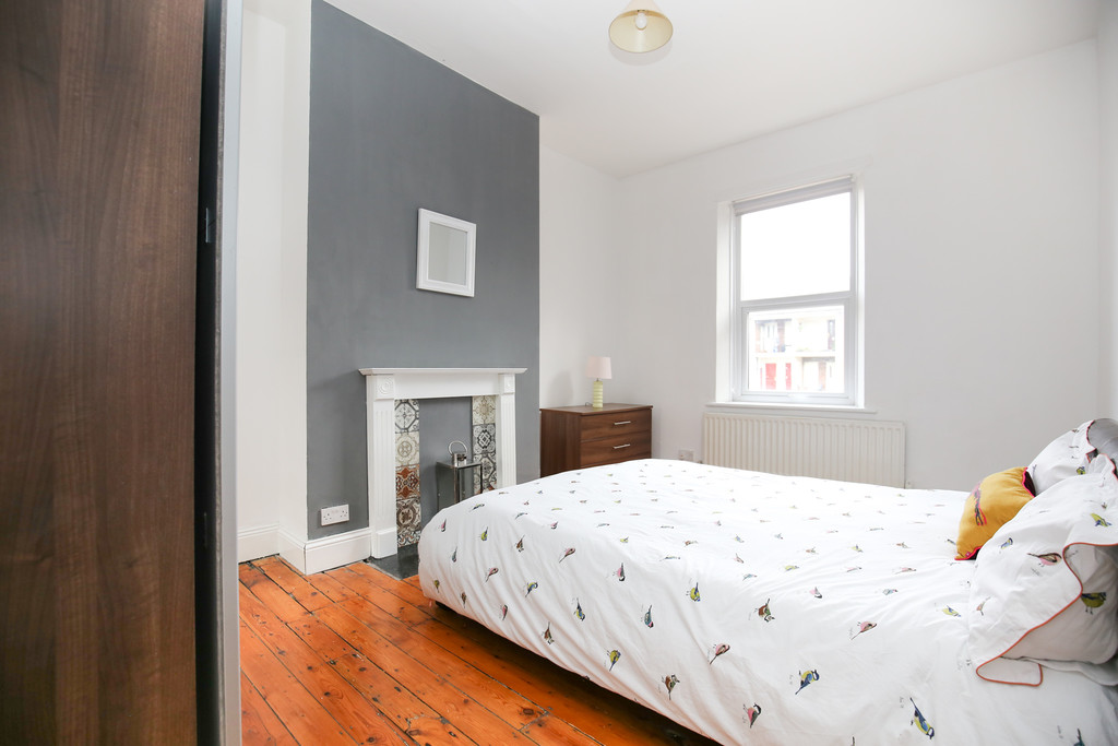 7 bedroomstudent                mid terraced house               for rent in heaton