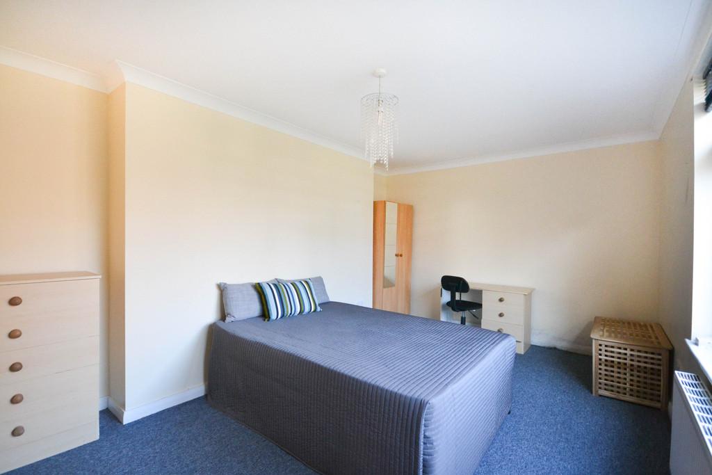 3 bedroom               upper flat               for rent in shieldfield