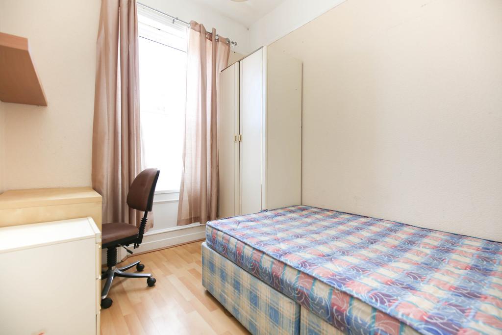 3 bedroomstudent                upper flat               for rent in fenham