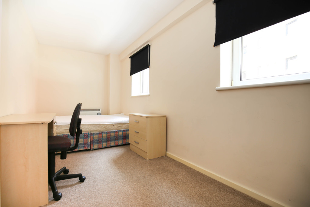 3 bedroomstudent                apartment               for rent in melbourne street