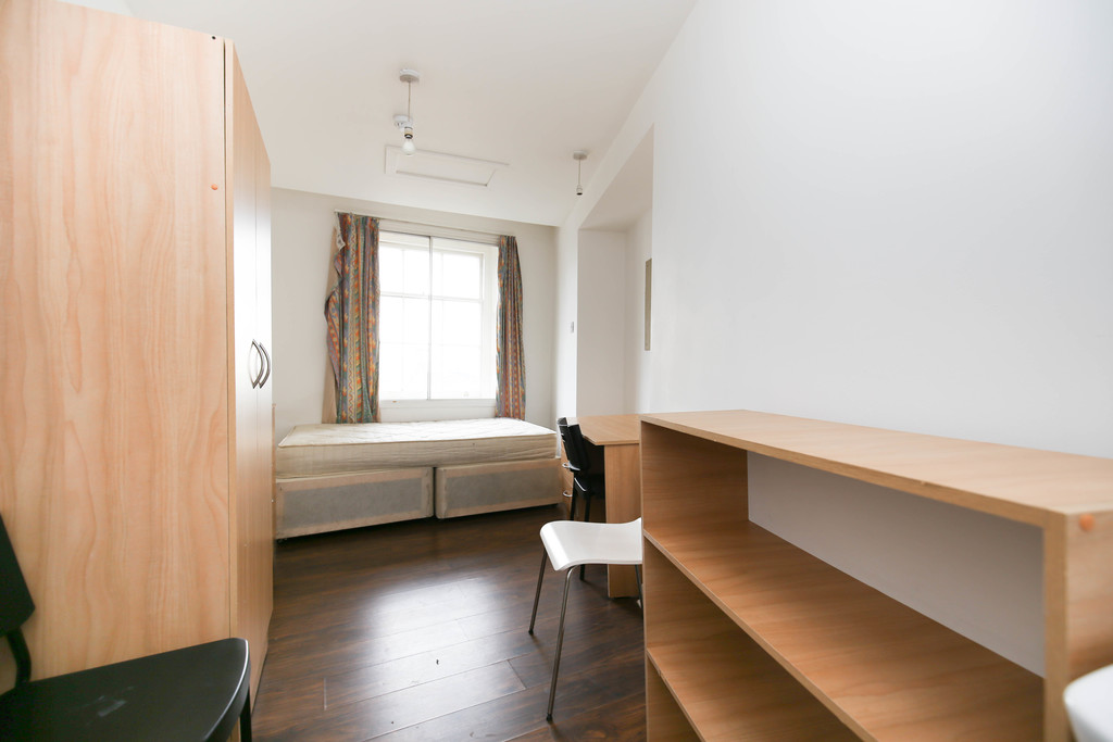 6 bedroomstudent                flat               for rent in 26-30 clayton street west
