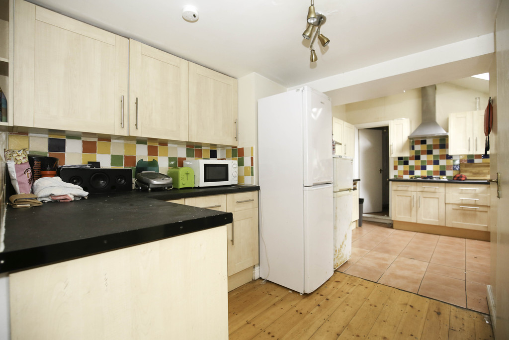 8 bedroomstudent                               for rent in heaton