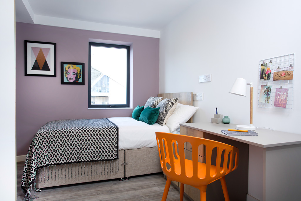 4 bedroomstudent                apartment               for rent in st james street