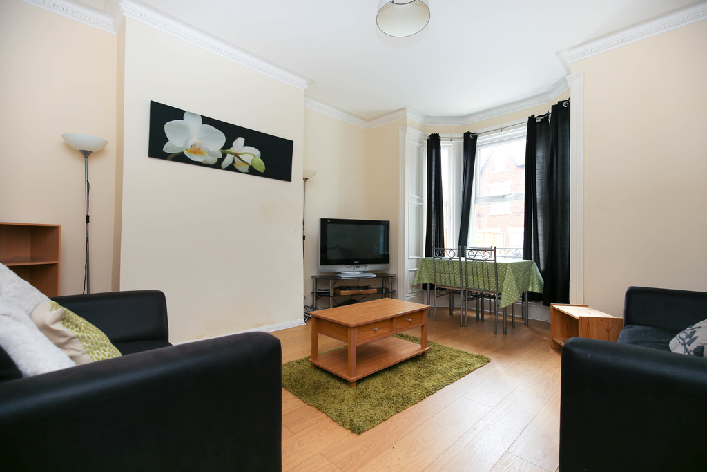 4 bedroomstudent                flat               for rent in heaton
