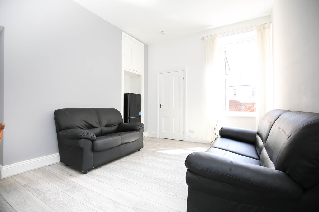 2 bedroomstudent                               for rent in heaton