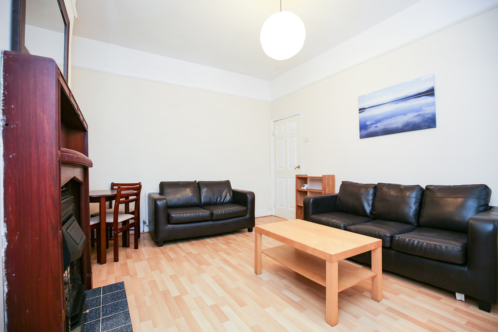 2 bedroom											student 					               		ground floor flat               		for rent in heaton