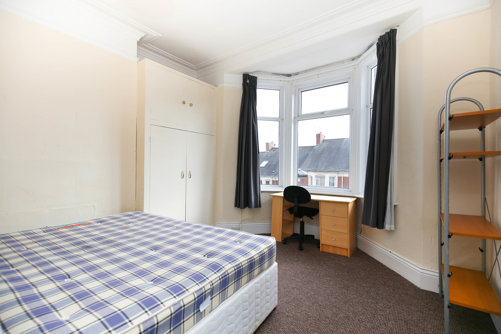 3 bedroomstudent                first floor flat               for rent in sandyford