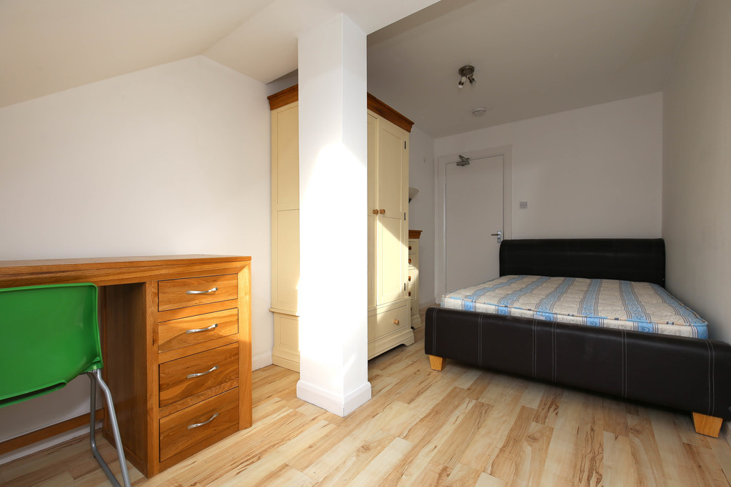 5 bedroom											student 					               		apartment               		for rent in 12/14 leazes park road