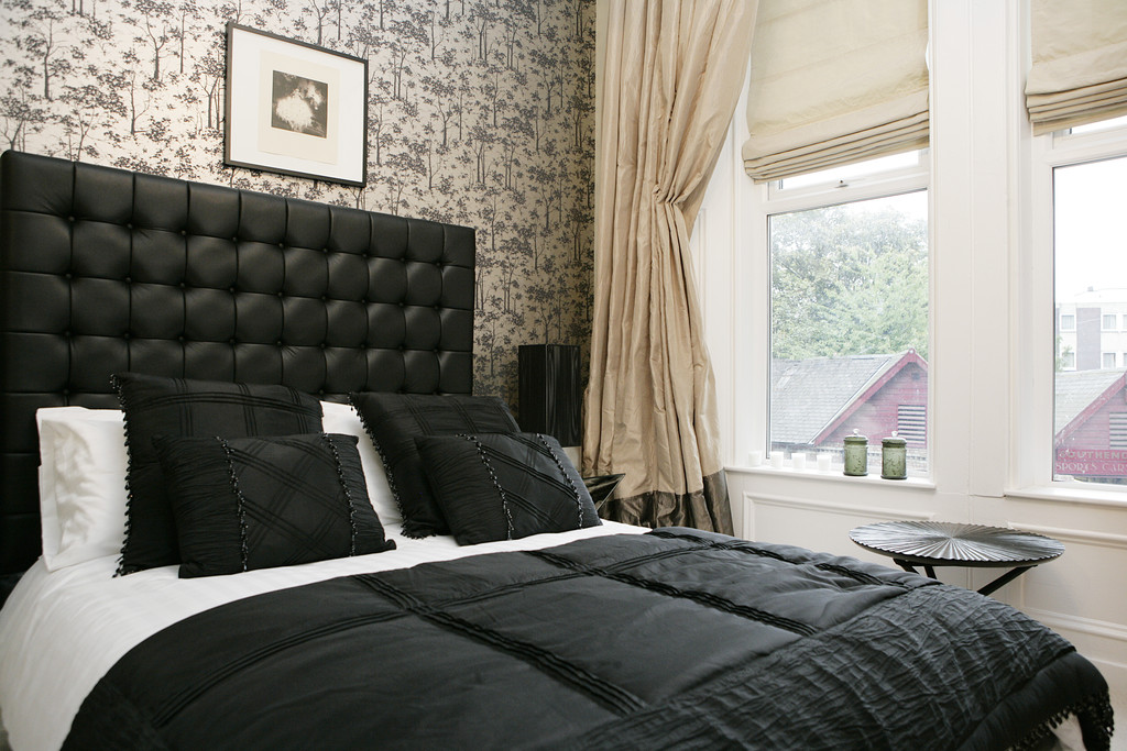 2 bedroom										               		lower ground apartment               		for rent in jesmond