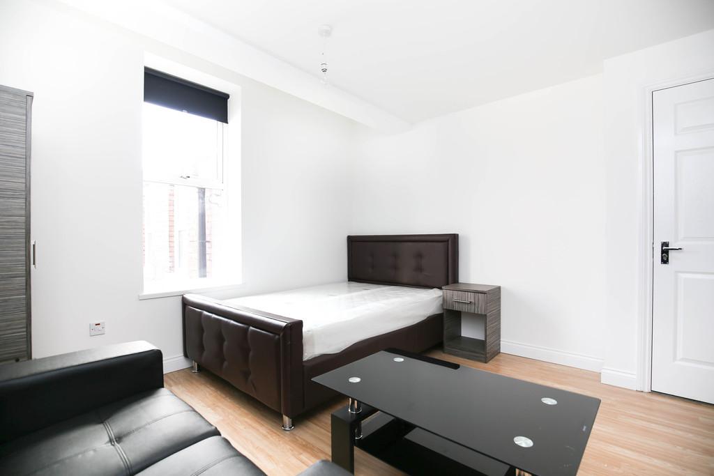 studio                              for rent in fenham