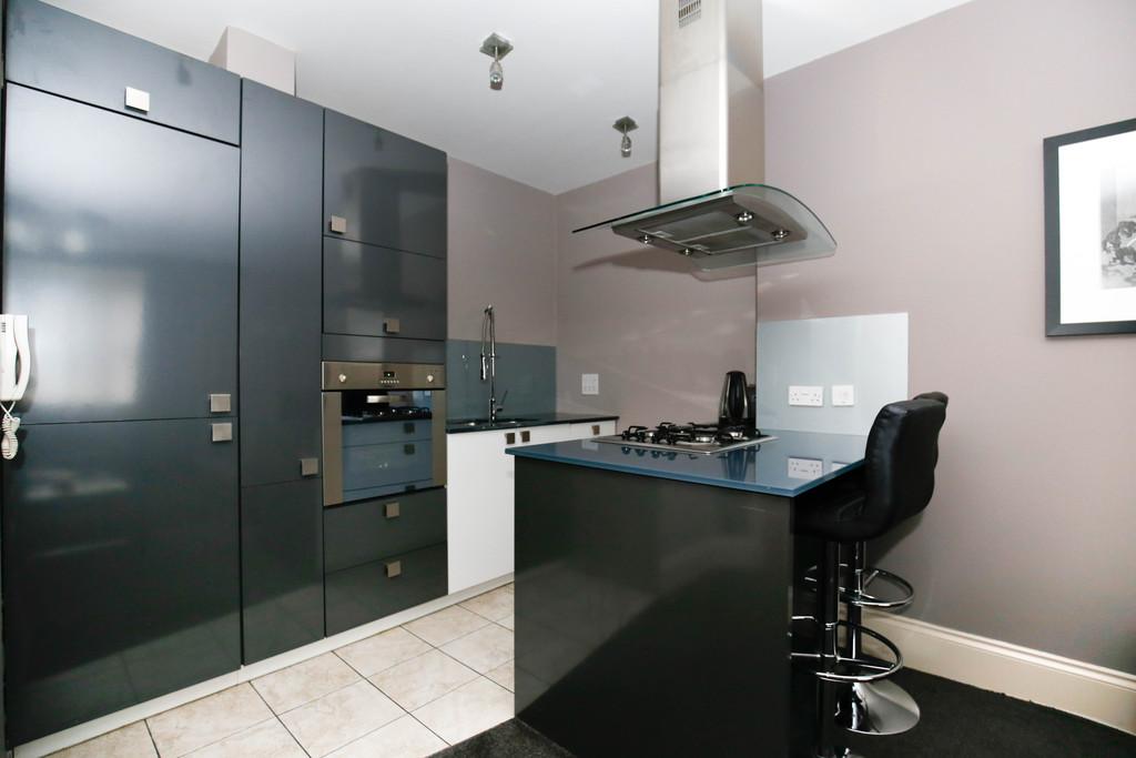 2 bedroom               ground floor apartment               for rent in jesmond