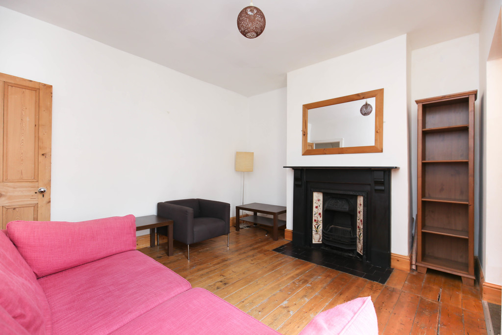 2 bedroomstudent                ground floor flat               for rent in south gosforth