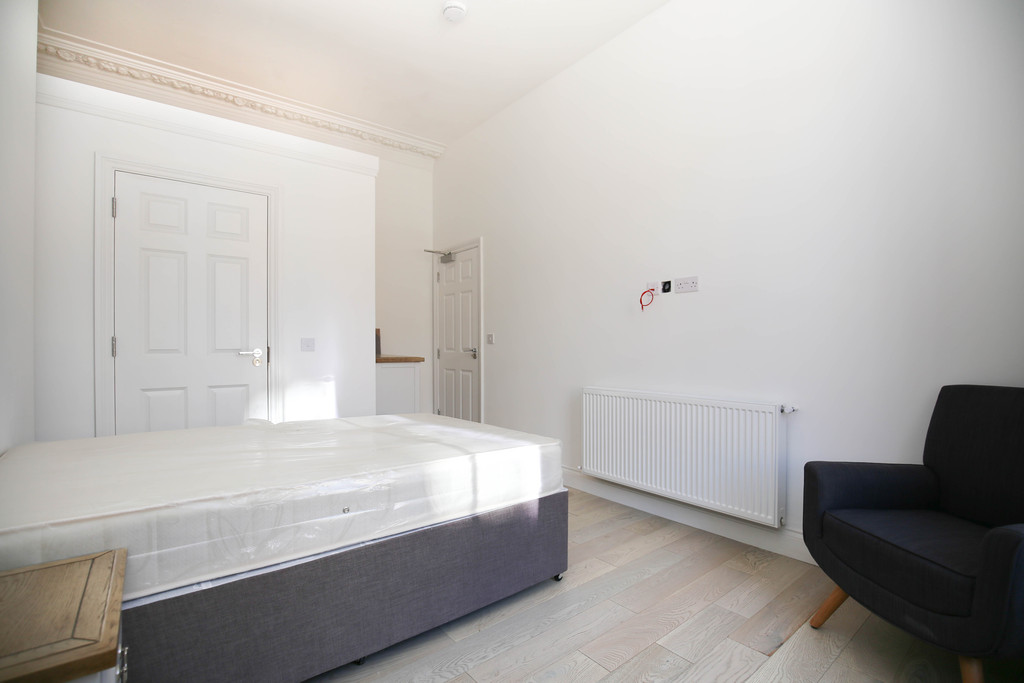 7 bedroomstudent                apartment               for rent in city centre