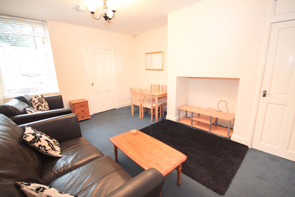 2 bedroom											student 					               		ground floor flat               		for rent in south gosforth