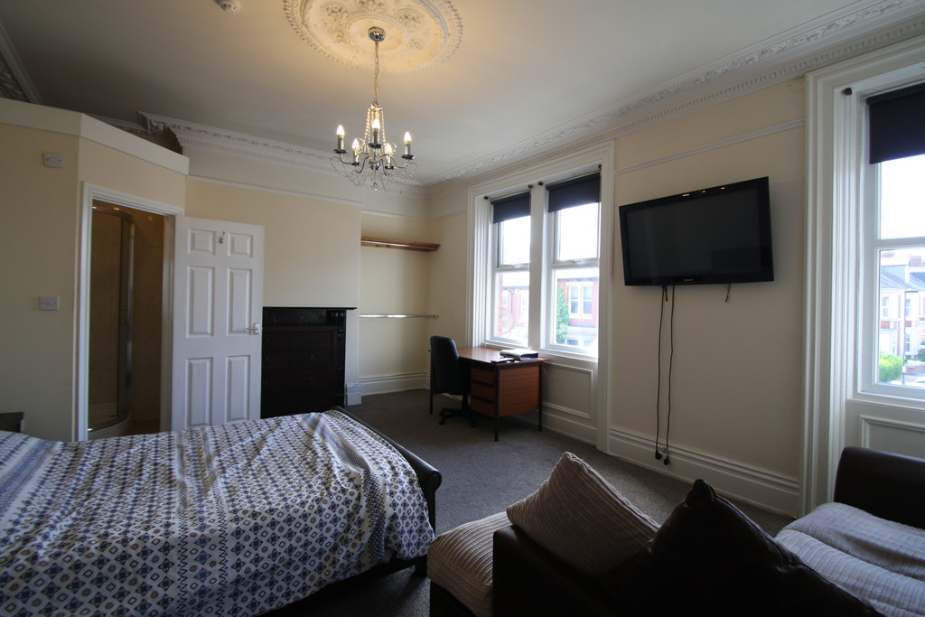 8 bedroomstudent                               for rent in jesmond