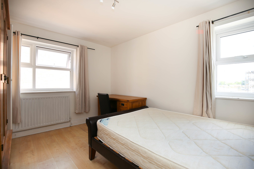 3 bedroom											student 					               		apartment               		for rent in city centre