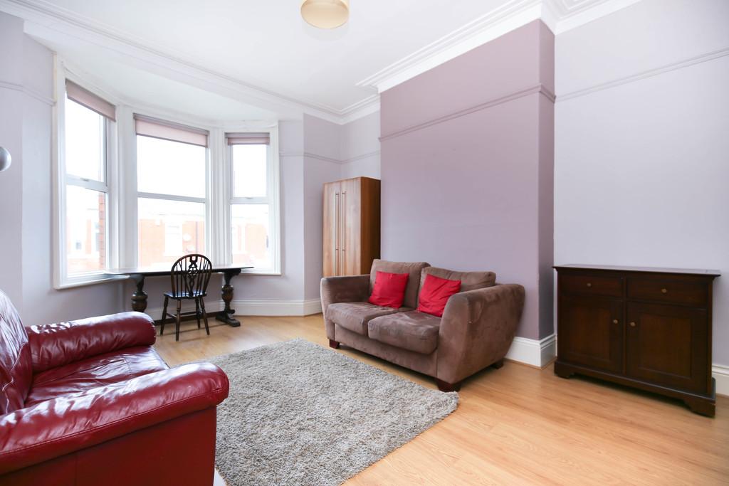 3 bedroom               maisonette               for rent in heaton