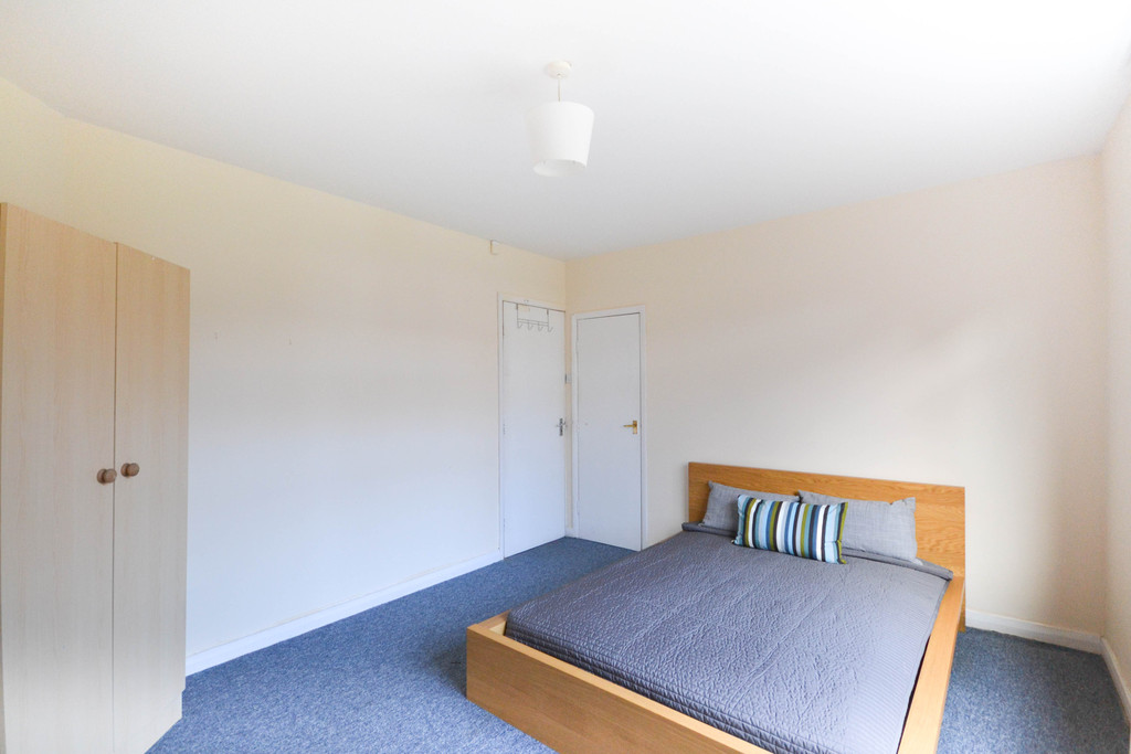 2 bedroom										               		upper flat               		for rent in shieldfield