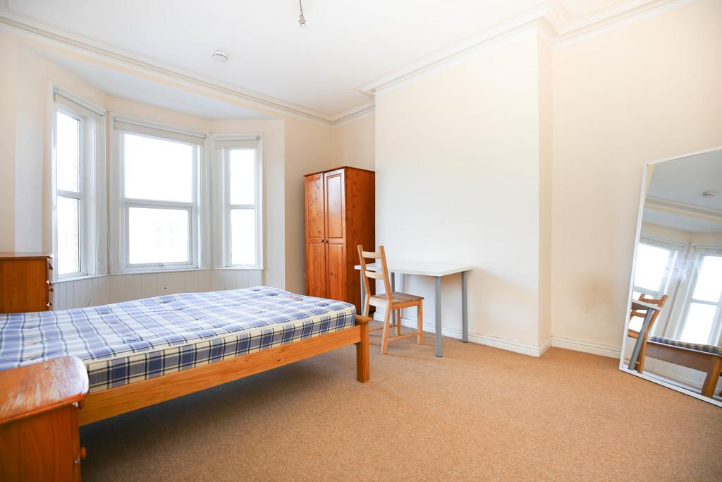 5 bedroomstudent                maisonette               for rent in heaton