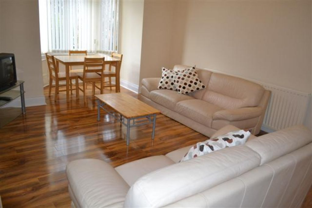 4 bedroomstudent                               for rent in heaton
