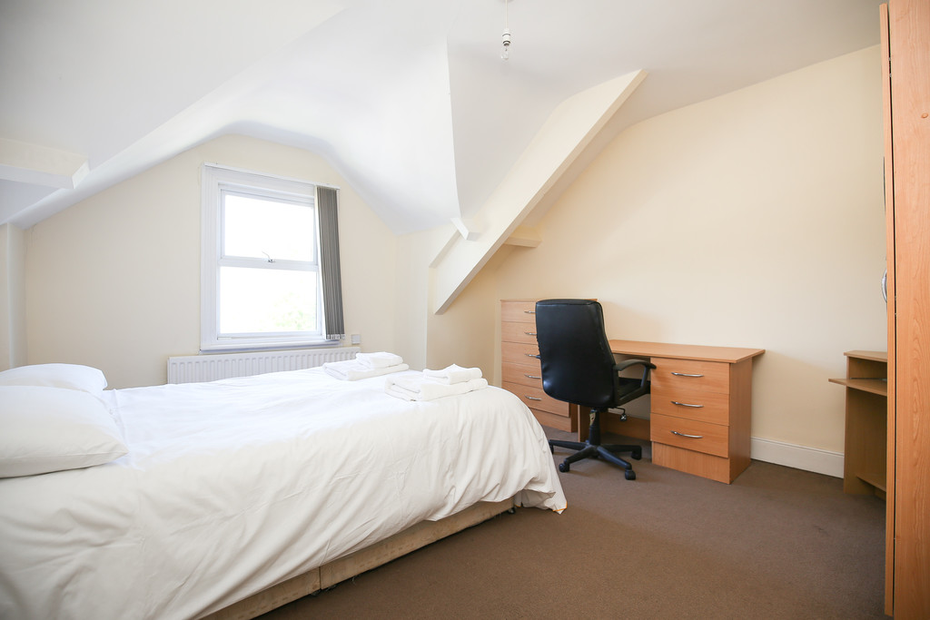 6 bedroomstudent                               for rent in heaton