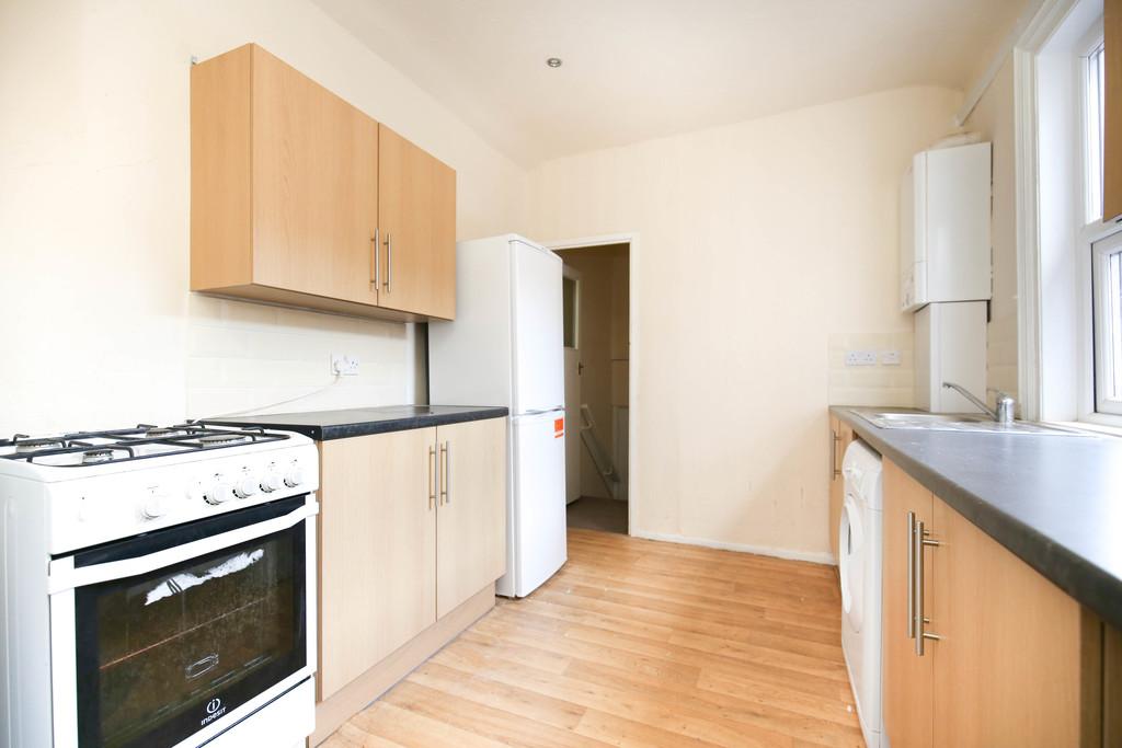 3 bedroomstudent                upper flat               for rent in jesmond