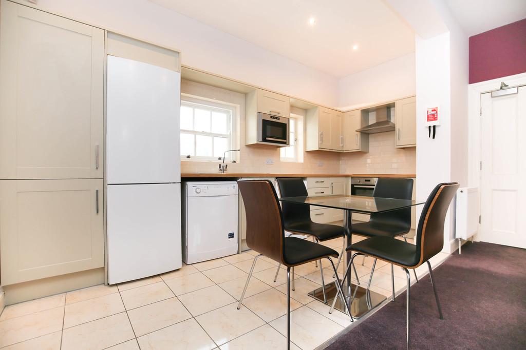 3 bedroom               duplex apartment               for rent in city centre