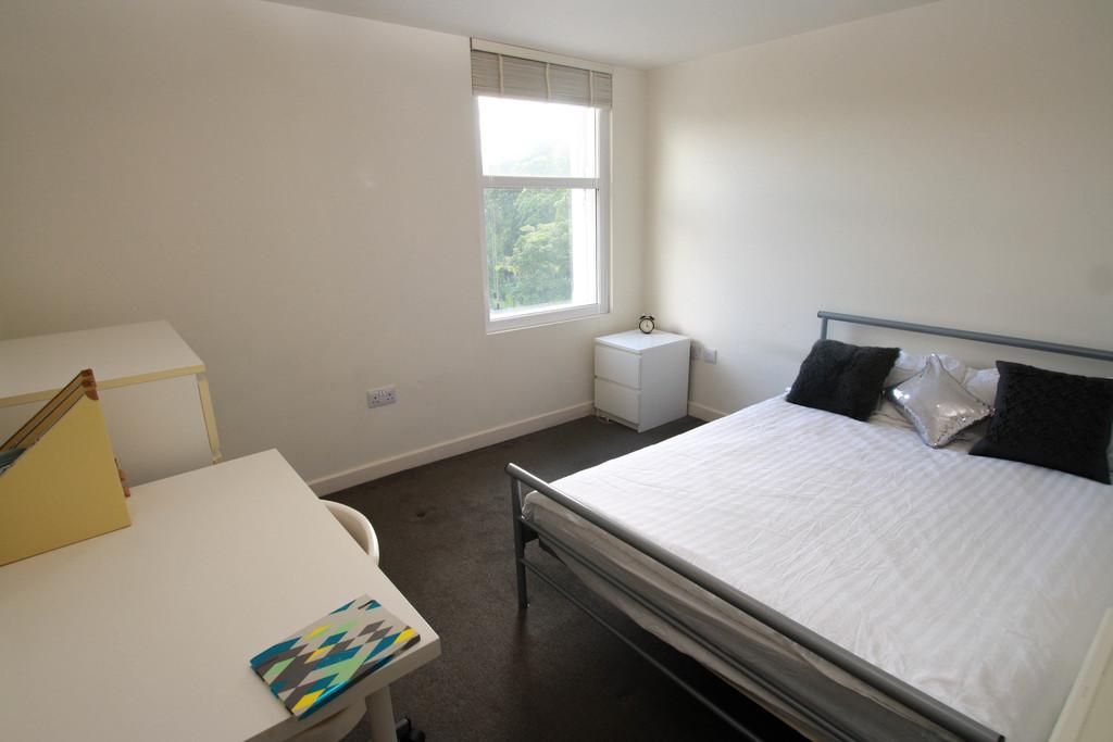 4 bedroomstudent                duplex apartment               for rent in jesmond